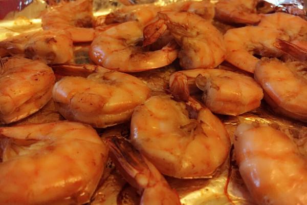 超级简单的家庭烤虾的做法