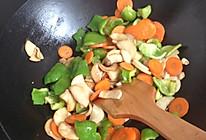 青椒胡萝卜杏鲍菇的做法