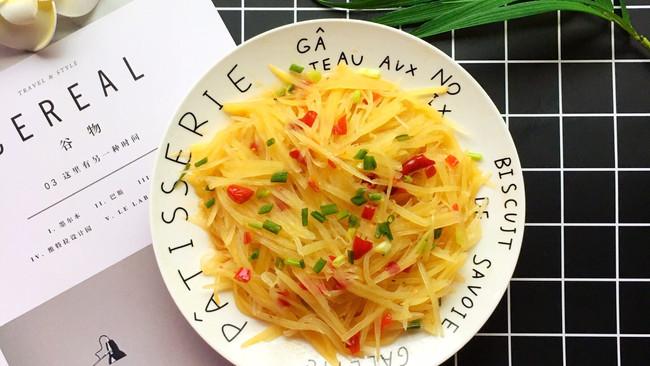 #童年不同样,美食有花样#剁椒酸辣土豆丝的做法