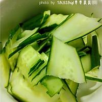 夏日小菜:黄瓜木耳炒鸡蛋的做法图解3