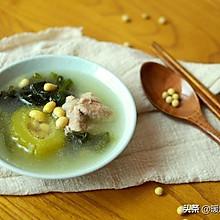 凉瓜黄豆海带苗排骨汤—消暑降火,老少适宜