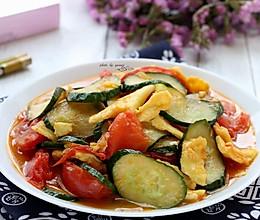 西红柿黄瓜炒蛋的做法