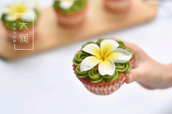 抹茶鸡蛋花cup cake#博世红钻家厨#的做法