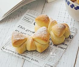 蝴蝶结面包的做法