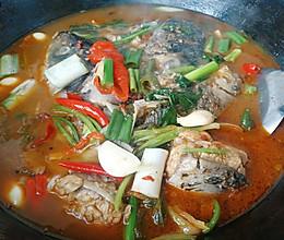 铁锅炖笨鱼的做法