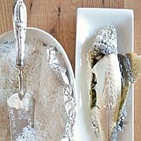 盐焗鲈鱼的做法图解6