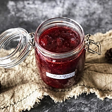 自制酸甜可口的草莓果酱