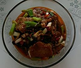 川味酸菜烧带鱼的做法