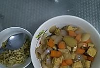 鸡胸肉焖胡萝卜的做法