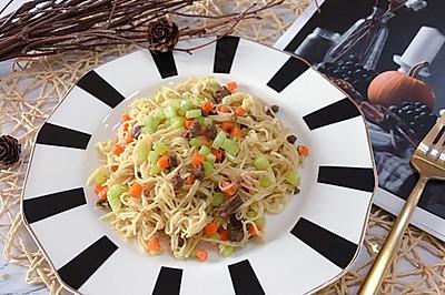 鸭肝蔬菜炒面(10+)
