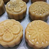 """广式莲蓉&豆沙蛋黄月饼#享""""美""""味#的做法图解13"""