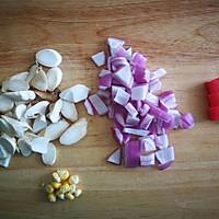 蟹柳蘑菇奶油汤的做法图解1