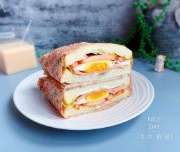 火腿鸡蛋三明治【十分钟快手早餐】#脑洞大开的丘比#的做法