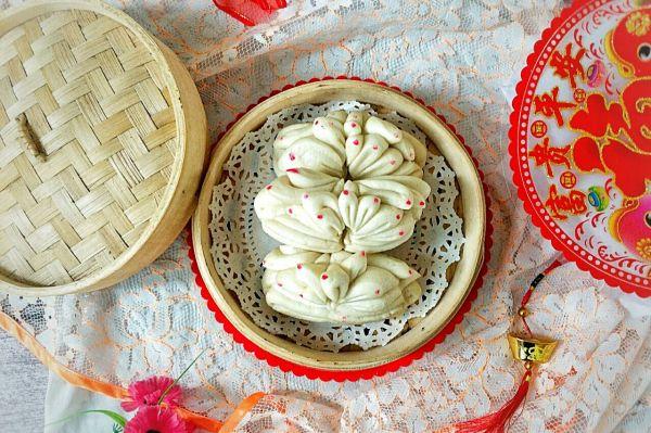 传统手工年味面食:莲花卷呛面馒头~的做法