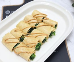花生酱菠菜豆腐皮卷的做法