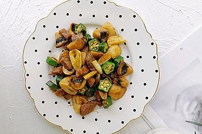 蘑菇秋葵牛肉粒