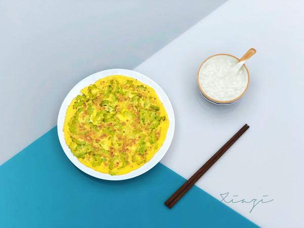 吃不腻的蒜香苦瓜煎鸡蛋的做法