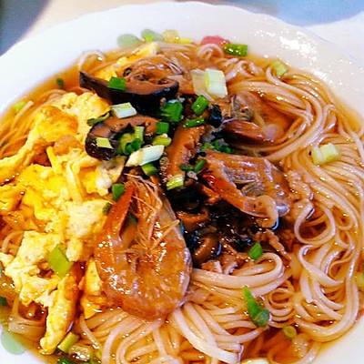 月子美食·姜蛋索面汤