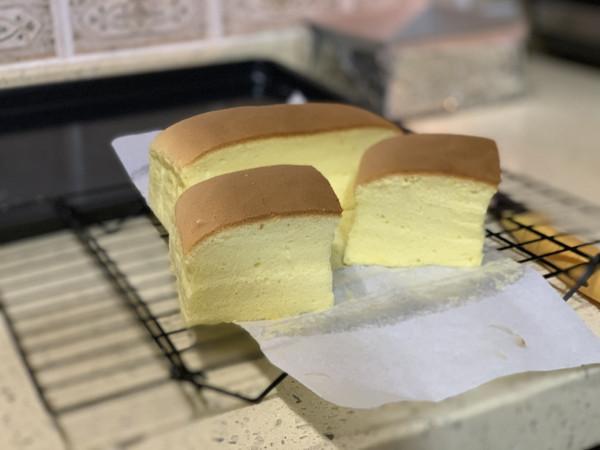 不用大排长龙!超级松软绵密古早味蛋糕!的做法