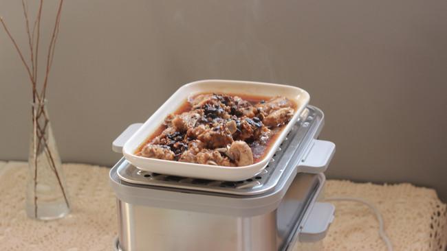 #一锅搞定才是正义#豉汁蒸排骨+龙骨玉米汤+蒸米饭的做法