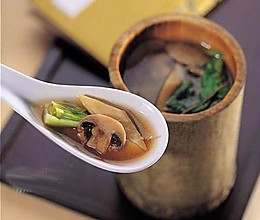 云南松茸汤的做法