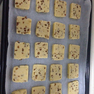 葡萄干切片饼干的做法 步骤6