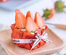 网红甜品「草莓福袋」的做法