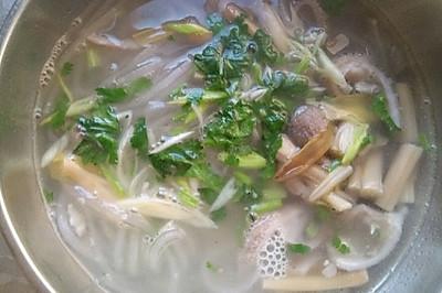 黄花肚丝汤