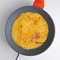 土豆这样做,孩子非常喜欢,土豆丝鸡蛋饼的做法图解4