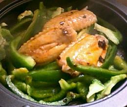 鸡翅炒青椒的做法