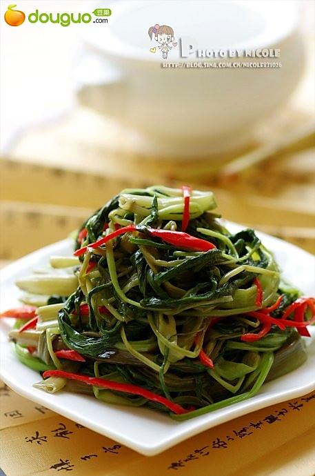 清鲜椒丝腐乳空心菜的做法