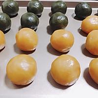 无糖蛋黄月饼#金龙鱼外婆乡小菜籽油 外婆的时光机#的做法图解8