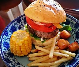 蓝纹奶酪爆浆牛肉汉堡的做法