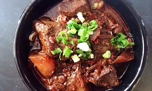 秘制红烧牛肉面的做法