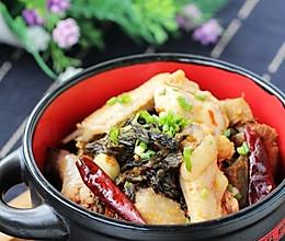 刺激味蕾的开胃大肉菜:酸菜火烧鸡的做法