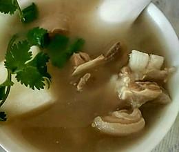 山药炖羊肉煲汤的做法