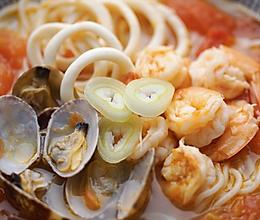 [快厨房]番茄海鲜面的做法