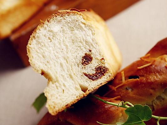无花果酸奶面包的做法
