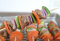 #憋在家里吃什么# 烤箱版烤羊肉串,鲜嫩多汁很美味的做法