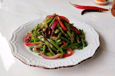 辣菇肉酱焖扁豆