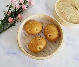 #520,美食撩动TA的心!#玉米面仿真土豆馒头的做法