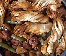 一锅出//鸡腿肉炖豆角土豆一锅出的做法