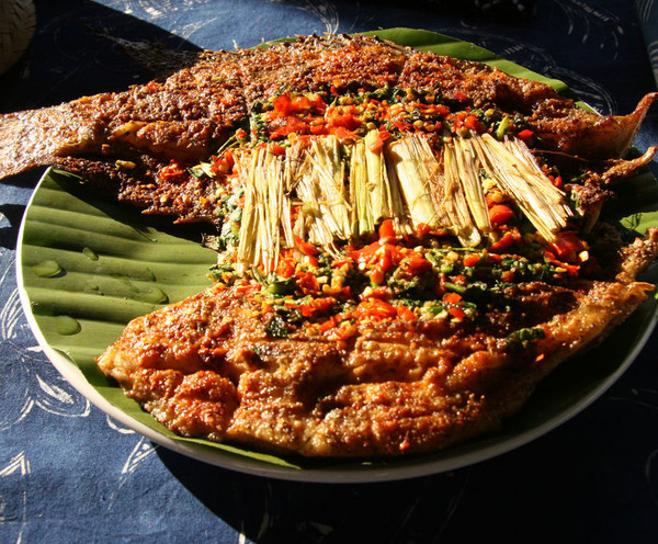 香茅草烤罗非鱼的做法