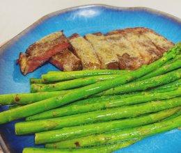 如何在家完美复刻餐厅的低温牛排的做法