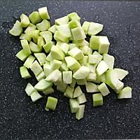 #秋天怎么吃# 丝瓜豆腐羹的做法图解2