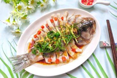 每逢过节必上桌的~清蒸鲈鱼太惊艳了!