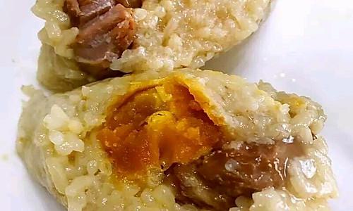端午节将至,特百惠教你做美味的蛋黄鲜肉粽!的做法