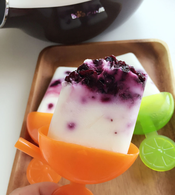 自制酸奶蓝莓冰棍的做法