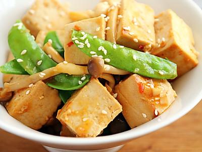 腌北豆腐蘑菇沙拉的做法