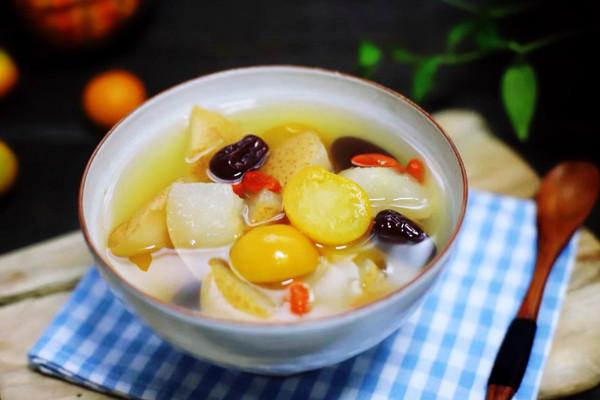 冰糖雪梨金桔汤的做法